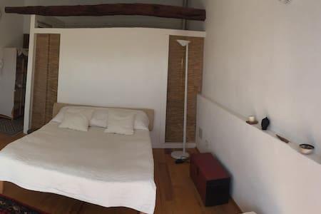 camera con bagno e terrazza/centro storico - Wohnung