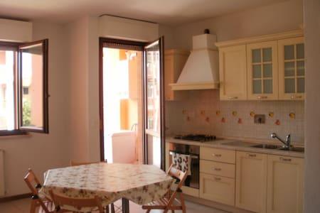 Bright apartment area Empoli owest - Apartamento