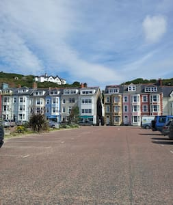 Lovely seafront 2 bedroom apartment - Apartment