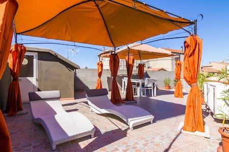 Casa Rosada Arbus, Costa Verde - Arbus - Talo