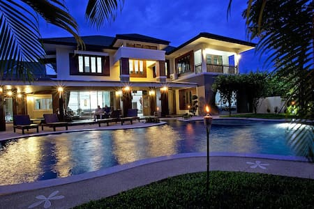 Expansive 6 bed villa at Chiang Mai - Chiang Mai - Villa