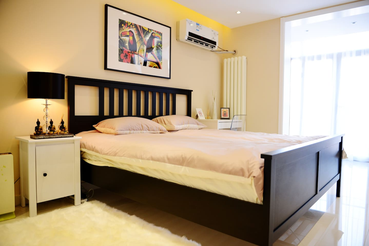 Bedroom #1 with King-size bed