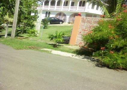 3 Family Villa close walk to beach. - Boqueron