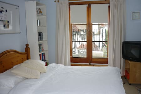 en suite double room with balcony - Southend-on-Sea - Hus