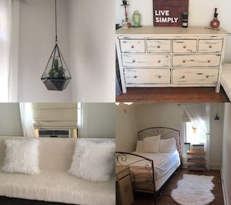57 Choate Street: Looking for a girl sublet!! - Newark - Hus