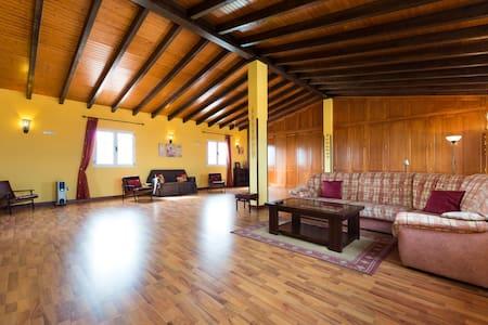 """Manor House """"Los Parrales"""" - Villa"""