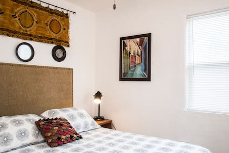 Charmed Casita near Old Town