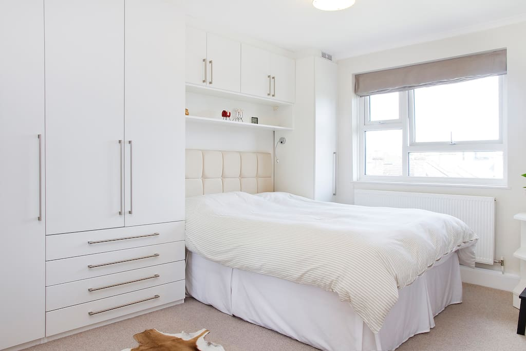 Double room in central Wimbledon