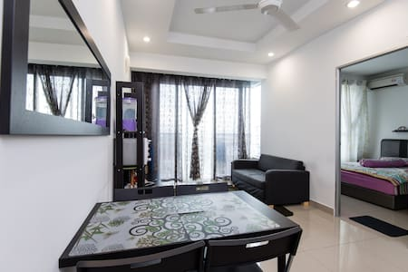 Selesa Homestay with wifi (beside AEON Mall) - Shah Alam - Appartement