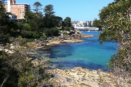 Renovated 2-bedroom unit 8 minutes walk from ferry - Manly - Wohnung