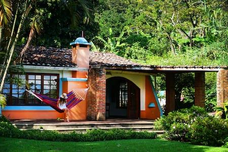 Armonia Homes Lakefront Property - San Marcos La Laguna