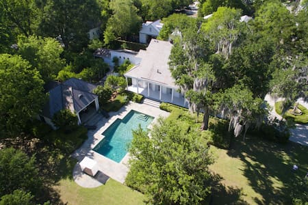 The Estate at Charropin Beach - Covington - House