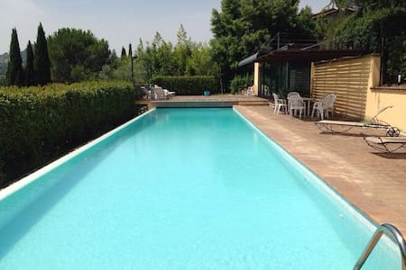 Villa with swimming pool in Perugia - Perugia - Villa