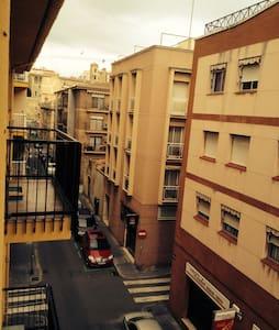 Loft/estudio al lado de la Renfe - Tarragone - Loft