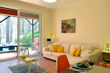 Exciting Lisbon Aroeira Beach Villa - Casa