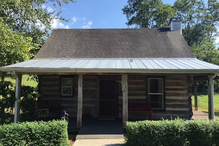 Rustic Cabin off I-40 - Cookeville - Guesthouse