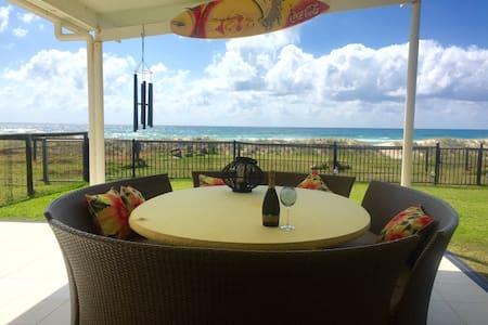 Prime Beachfront Spectacular Views! - Σπίτι
