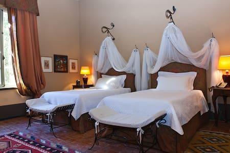Asilo Masi - room 1 - Capannoli - Villa