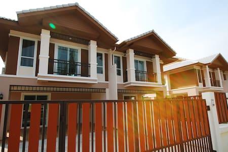 Palm Villa Phuket - Dům