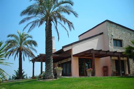 ΣΑΝΙ βίλα πισίνα με υπέροχη θέα - Villa