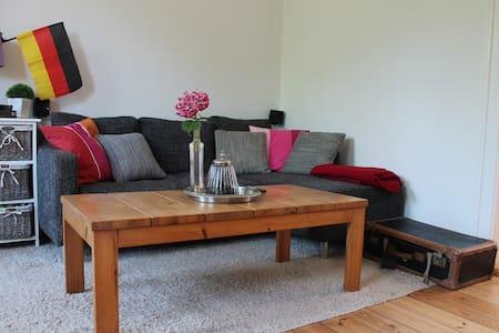 3 Zimmer - Kuschelnest im Altbau - Flensburg - Appartement