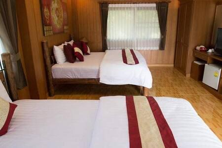 Elegant  Specious Deluxe Villa - Villa