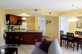 Cozy condo 2br/2ba next to SeaWorld