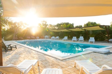 Large Farmhouse with Pool in Puglia - Castellana Grotte - Hus