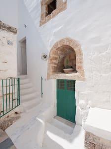 La Casa Della Gallina - Centro Storico - Matino - Hus