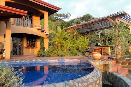 Villa Mountain Serenity. Dominical