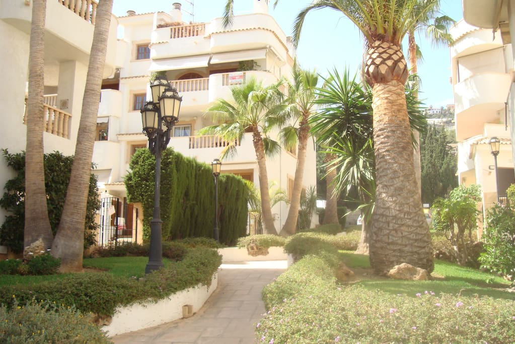 Path and landscaped gardens to Casa Luisa