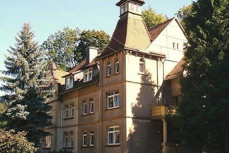 Ferienwohnug 2 in der Turmvilla - Apartament