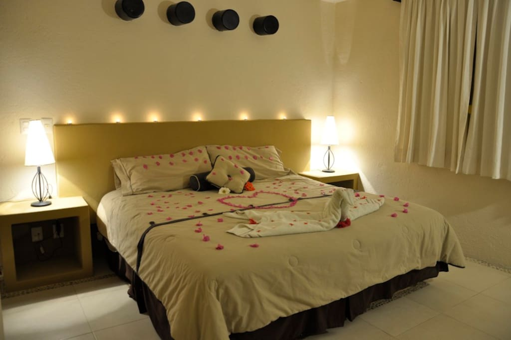 Spend a romantic night at our main bedrrom. decoration available upon request.