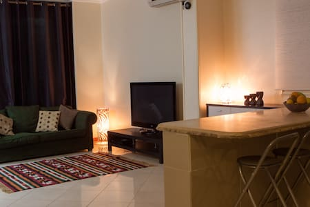 A homely 3 bed apartment in quiet location - Apartemen