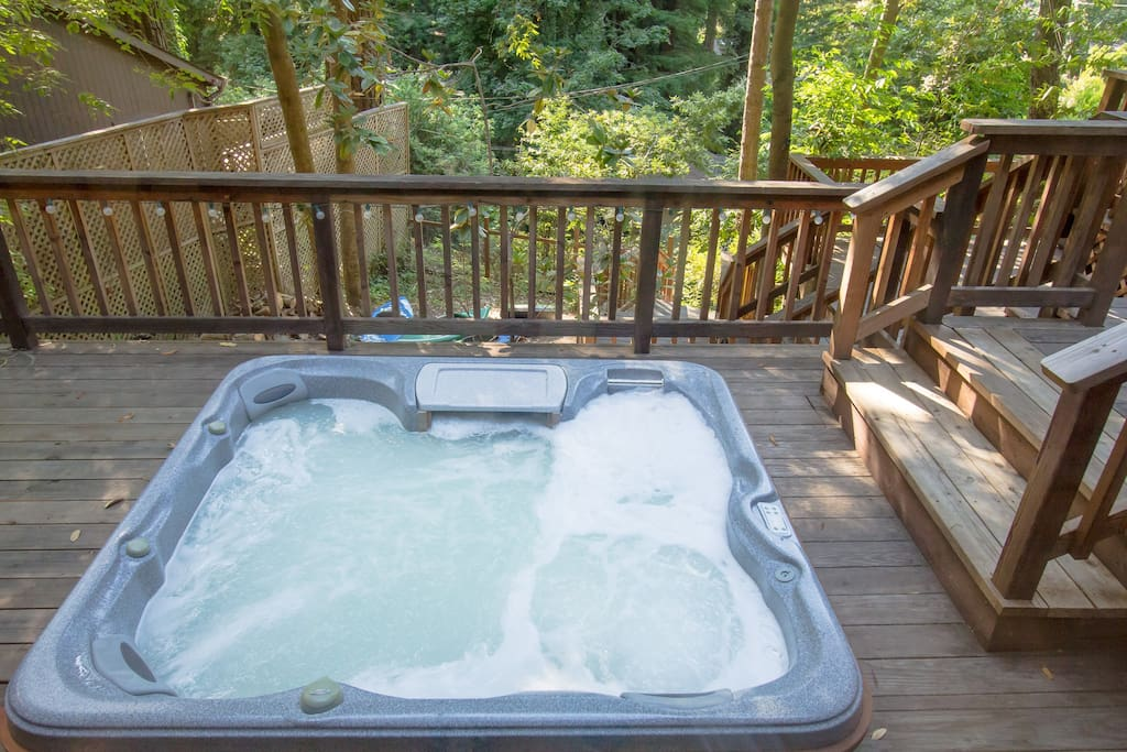 Enjoy the spa under the redwoods!