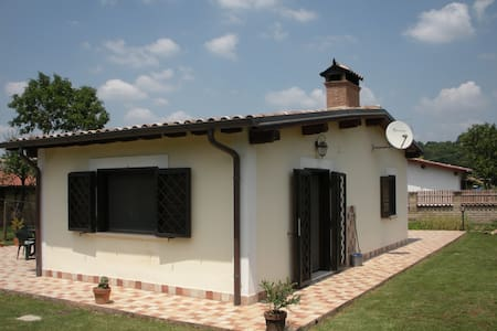 2 rooms in country house-Rome