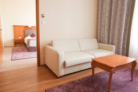 Pannonia Apartmanok - Bed & Breakfast