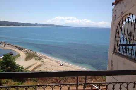 Μεζονέτα με θέα στη θάλασσα - Καστροσυκιά