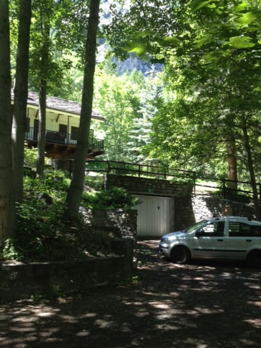 chalet with private garage and parking
