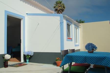 Blue Studio in Ponta Delgada - Hus