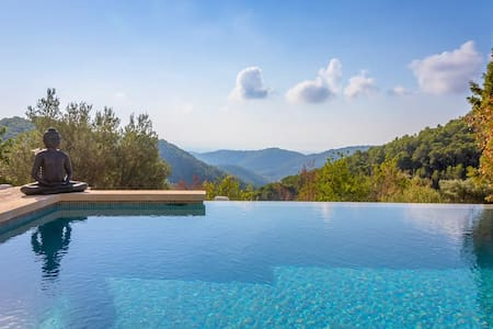 Beautiful En-suite at Finca with Infinity Pool - Villa