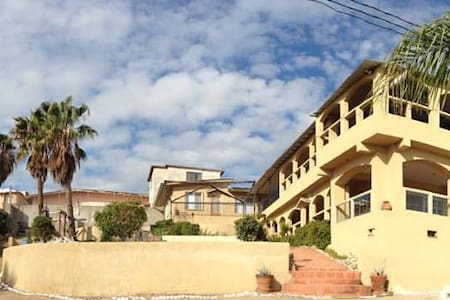 Downtown Private Apt,Sleeps 2, with own bath, view - Ensenada - Bed & Breakfast