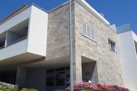 """""""Sonho Dourado"""" Beach apartament Porto Santo - Byt"""