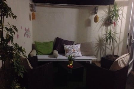 Bedroom in apartment with terrace, 20' to beach - Apartment
