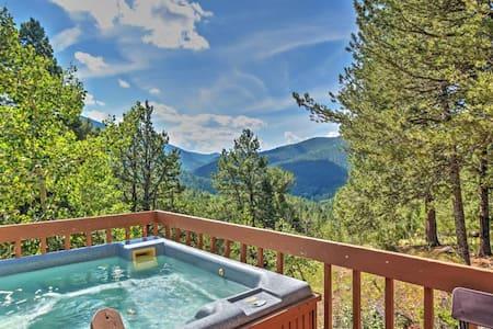 'Horseshoe Lodge' 2BR Divide Cabin w/Hot Tub - Divide
