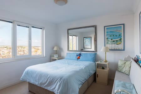Isle of Wight Apartment by the Sea - Shanklin - Appartement