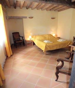 Chambre avec salle de bain privée - Montverdun