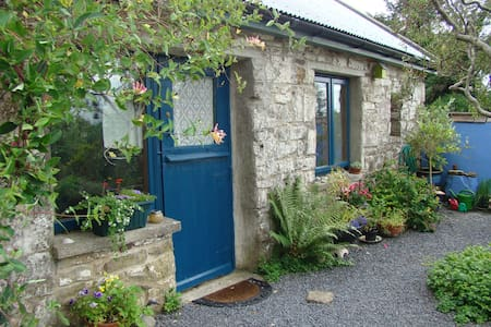 Quiet Druid Cottage, a writers gem!