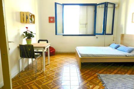 Central and peaceful neighborhood - תל אביב יפו - Appartamento