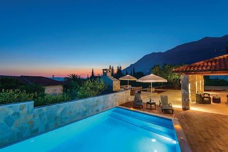 Beautiful Stone Villa - Gruda